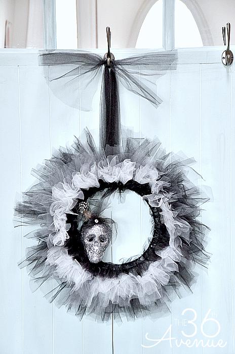 Glam Halloween Wreath Tutorial