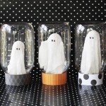 Ghosts In A Jar Halloween Craft