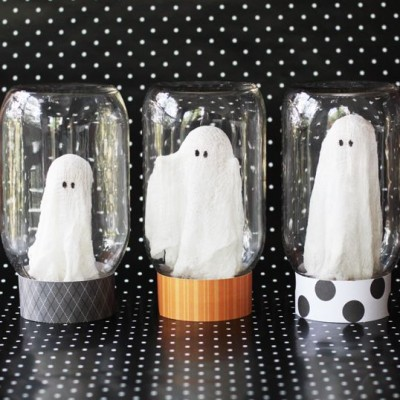 Ghosts In A Jar Halloween Craft