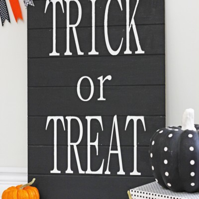 Black & White Trick or Treat Sign