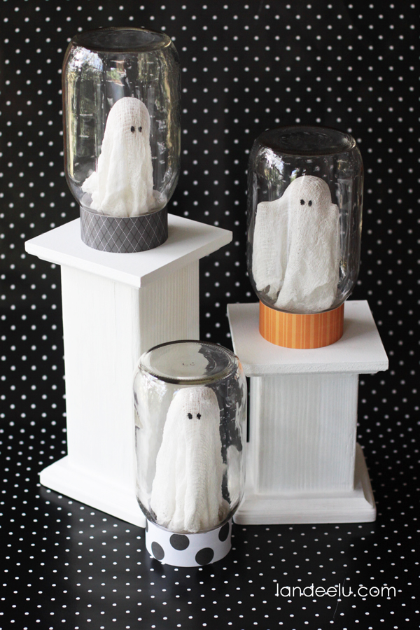 Ghost In A Jar Halloween Craft