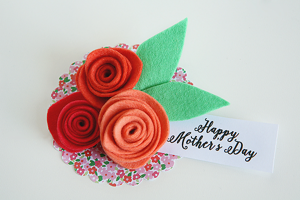 http://eighteen25.com/wp-content/uploads/2015/05/mothers-day-corsage-tag.jpg
