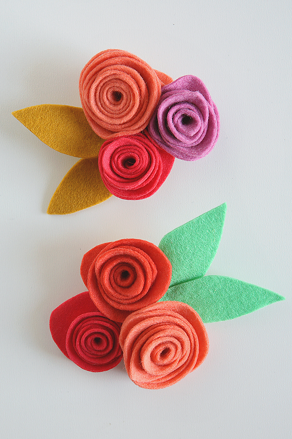 http://eighteen25.com/wp-content/uploads/2015/05/mothers-day-felt-flower-corsages.jpg