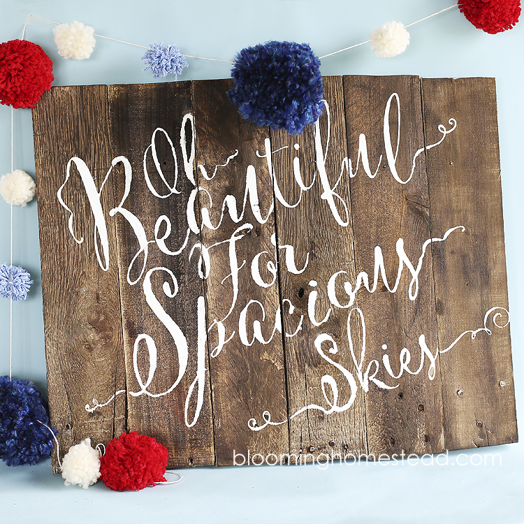 4th Patriotic-Pallet-Wood-Sign-by-Blooming-Homestead