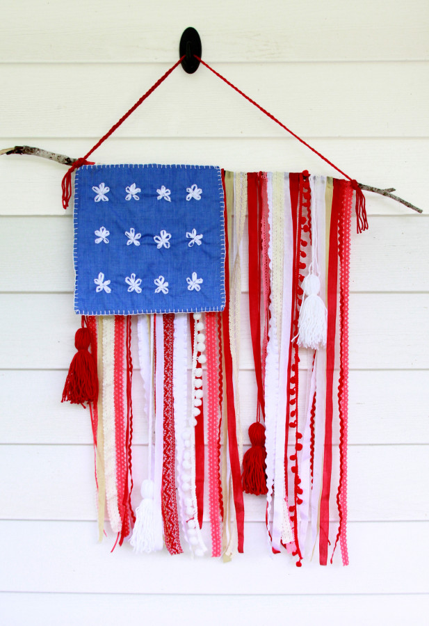 4th Trim-and-Ribbon-Flag-617x900