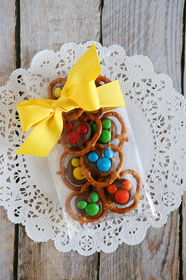 chocolate pretzel mickeys