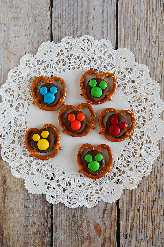 mickey chocolate pretzels