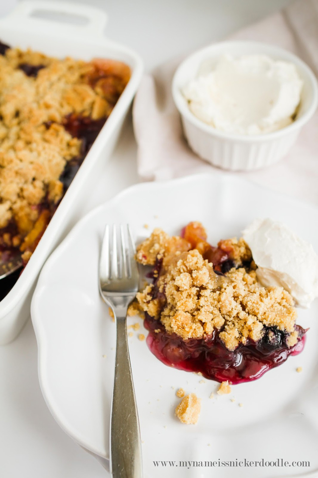 Delicious Peach Blueberry Crisp
