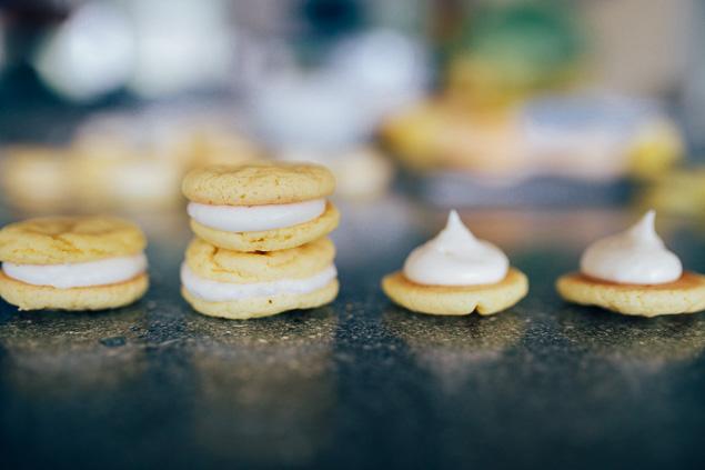 Sweet Lemon Cookie Sandwiches (4)
