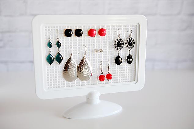 earring holder to make