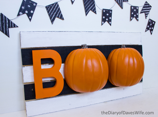 Halloween BOO Pallet Sign