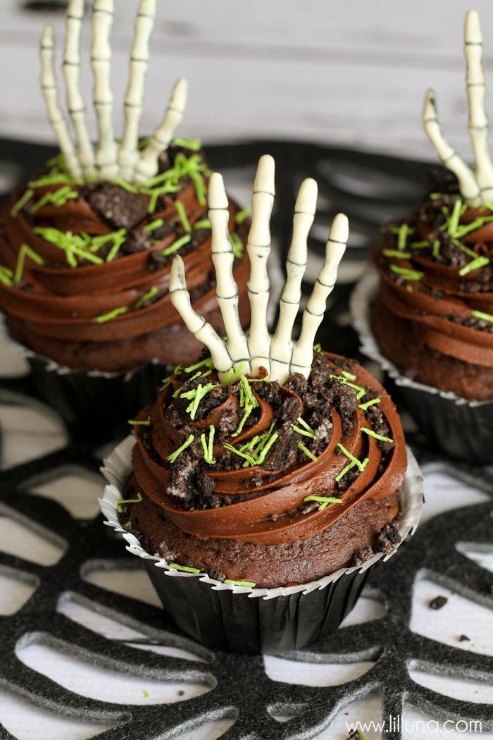 creepy-cupcakes-3