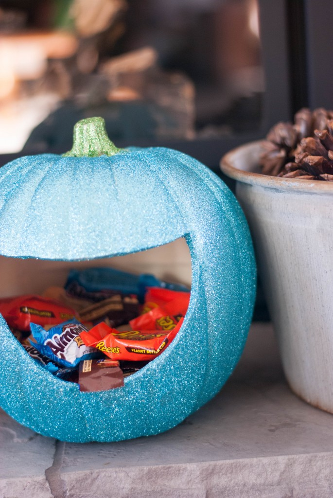 glitter pumpkin candy holder blue
