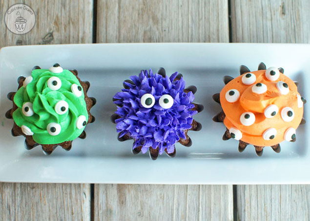 Monster Cupcakes! The cutest halloween treat!