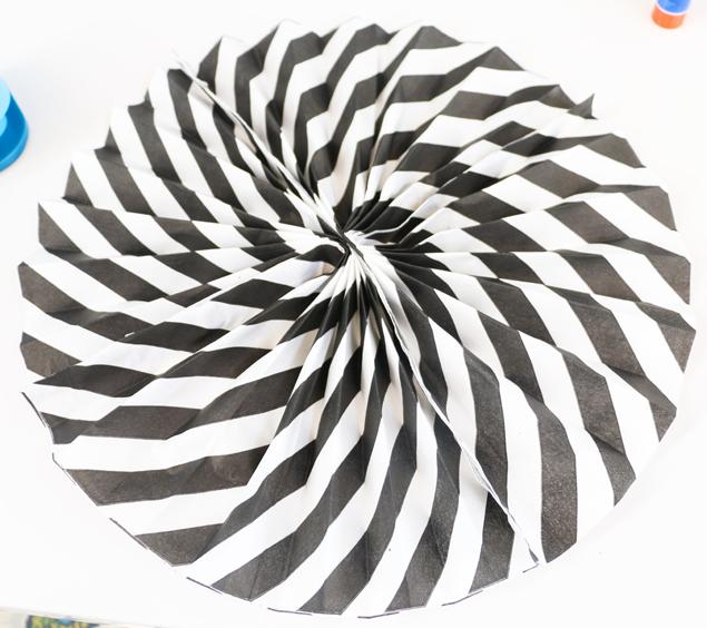 napkin paper fans - finished paper fan 635