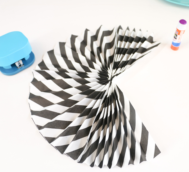 napkin paper fans - glue other sides together 635