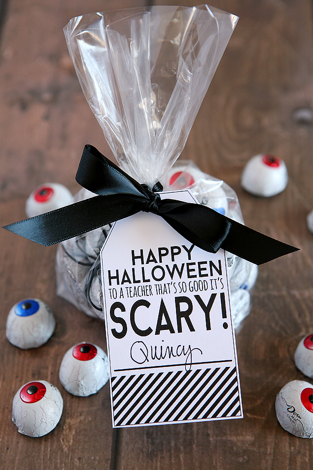 Happy Halloween to a Teacher that's so good it's SCARY! Fun little Halloween gift for teachers.