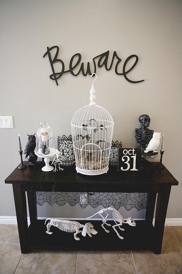 Bat-Cage-Display