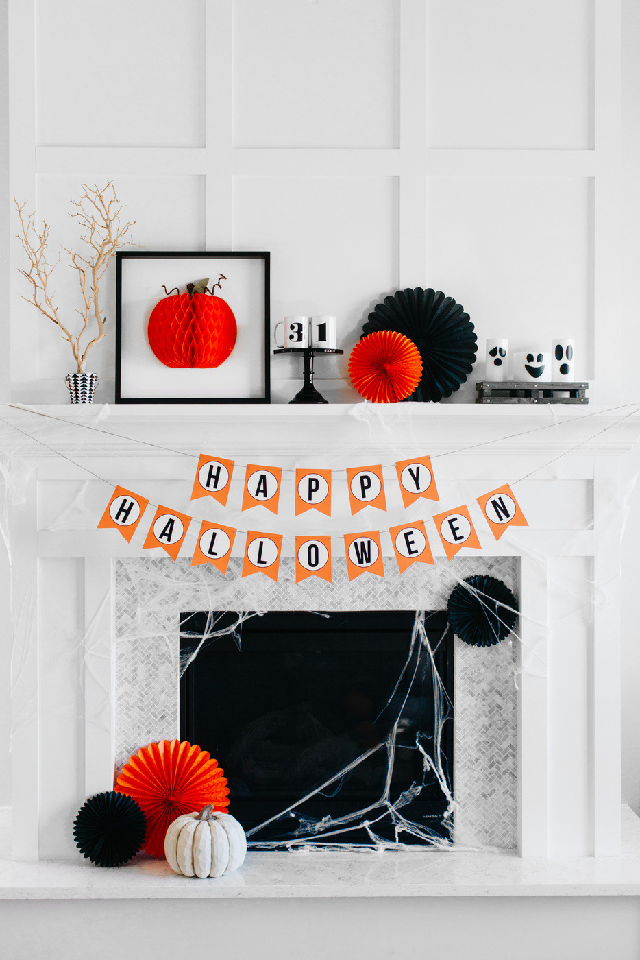 How-to-Style-a-Traditional-Halloween-Mantel