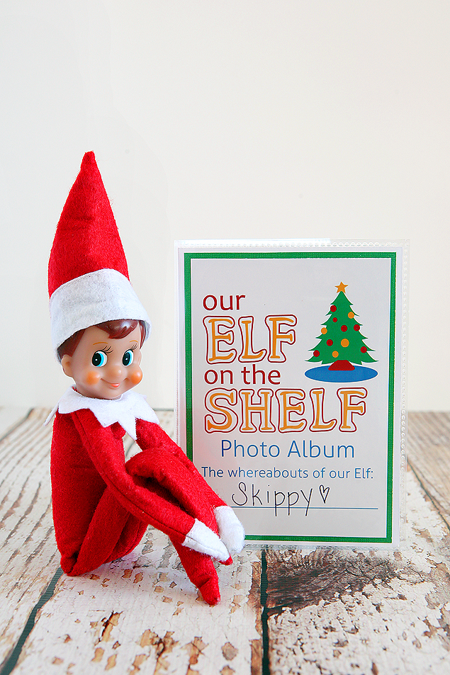 Elf on the Shelf DIY Photo Album. Incudes the free printables so you can easily make your own.