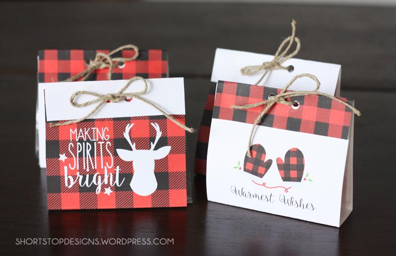Buffalo Check Treat Bags For Christmas. Free printable Christmas bags. Love them!!