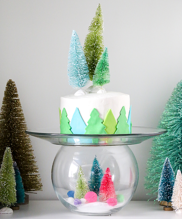 DIY Snow Globe Cake Plate. Such a fun idea!