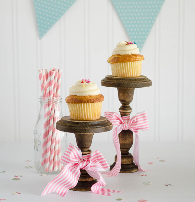 DIY Rustic Cupcake Stands and Vintage Style Scooter