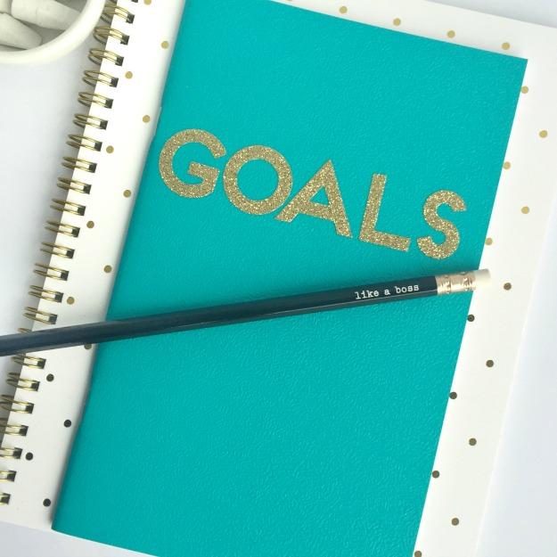 10 Minute Craft: DIY Writing Journal
