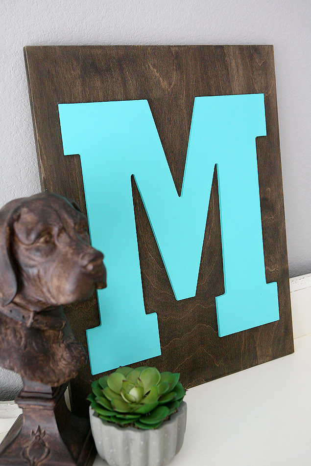 DIY Home Decorating Ideas | Family initial sign. So easy to make and looks great in your house!
