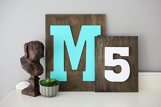 DIY Home Decorating Ideas | Family initial signs and Family number signs. So easy to make and look great in your home!