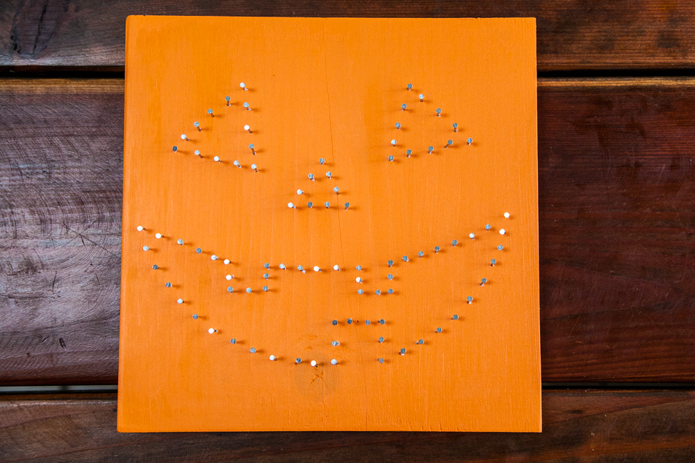 Halloween DIY | Jack-O-Lantern String Art Sign