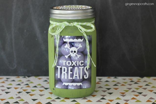 Halloween Mason Jar Gift Idea | Halloween Crafts
