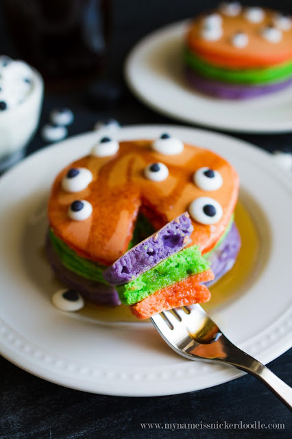 halloween-trick-or-treat-pancakes-4