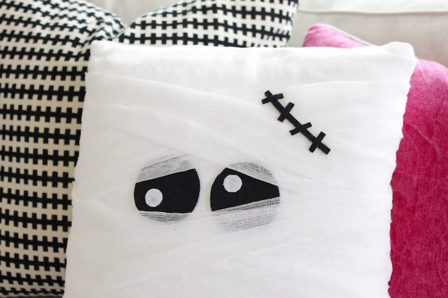 Halloween Decor   DIY Mummy Pillow