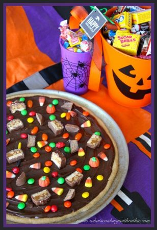 leftover-halloween-candy-pizza1-410x600-308x450