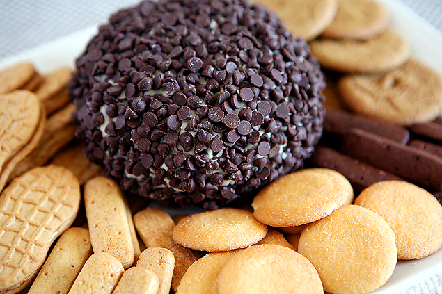 Chocolate Chip Cheese Ball | Cheese Ball Recipe