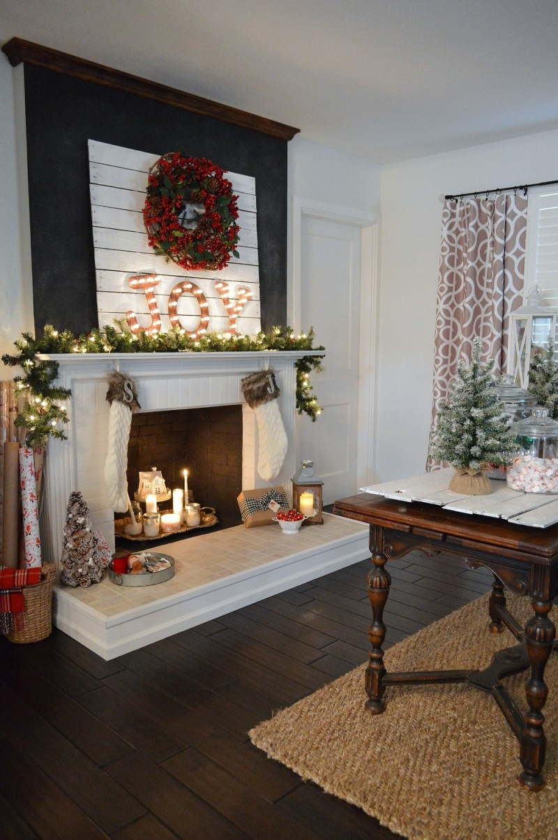 Christmas Mantels | Cottage Christmas Mantel by Fox Hollow Cottage