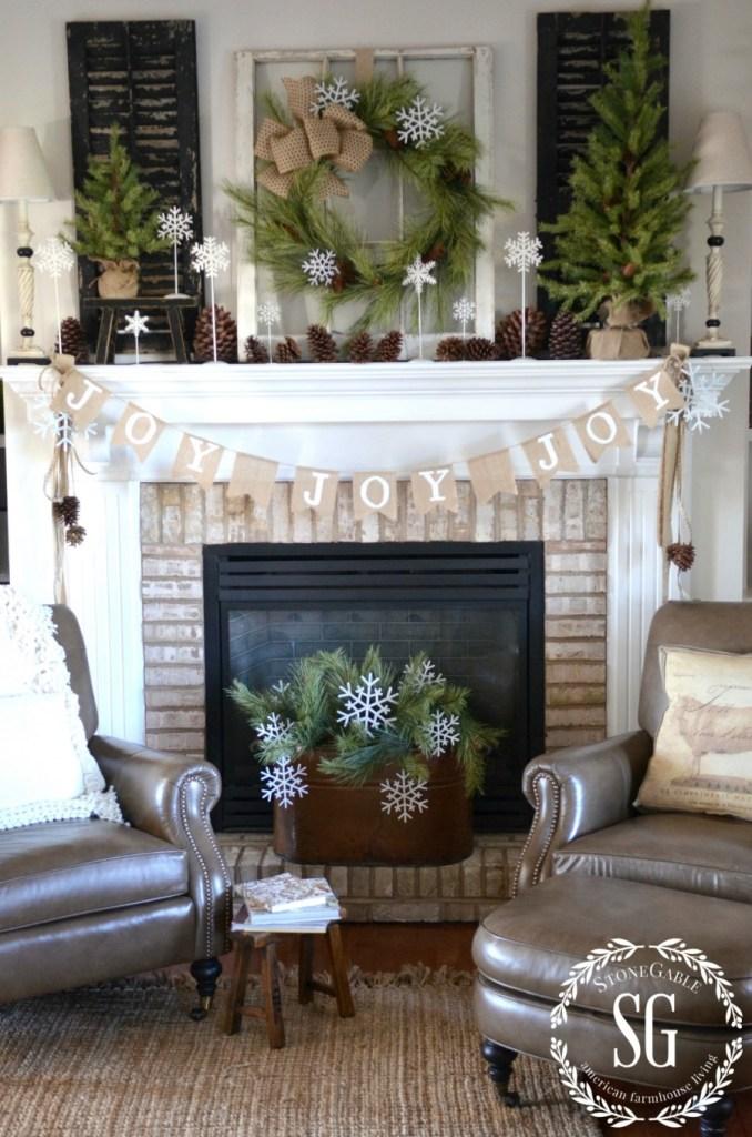 Christmas Mantels | Farmhouse Christmas Mantel by StoneGable Blog