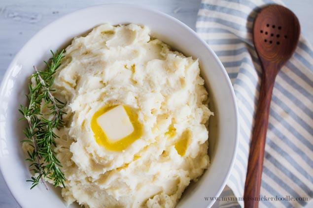 Garlic Rosemary Mashed Potatoes | Side Dish Recipes