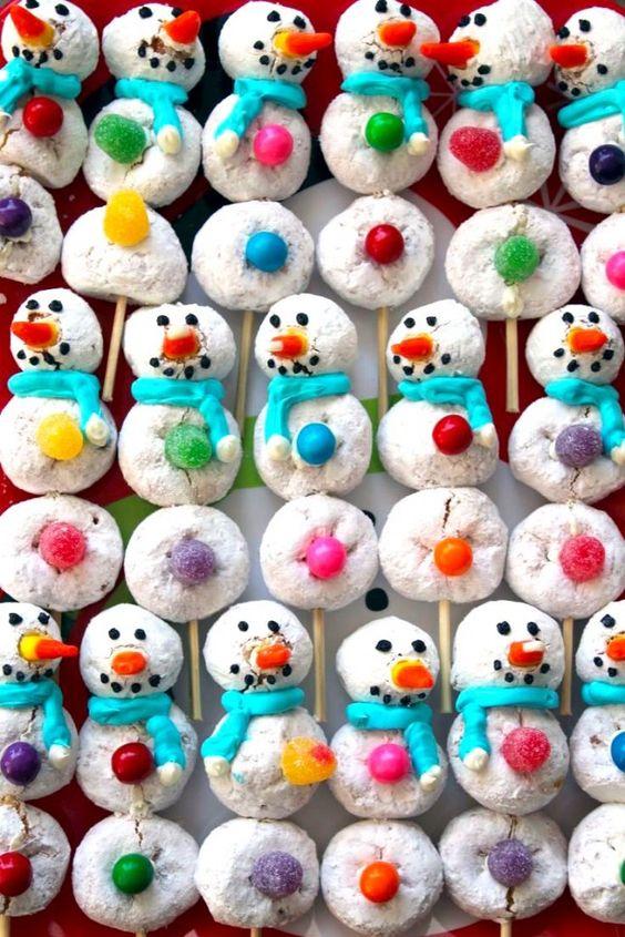 Powdered Donut Snowmen | Christmas treats for kids