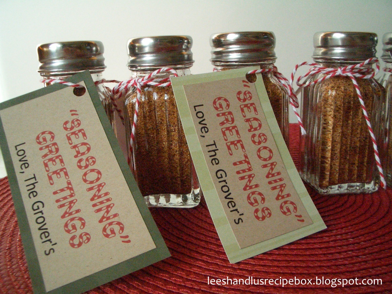 Neighbor Christmas Gift Ideas | Seasoning Greetings | Leesh & Lu's Recipe Box