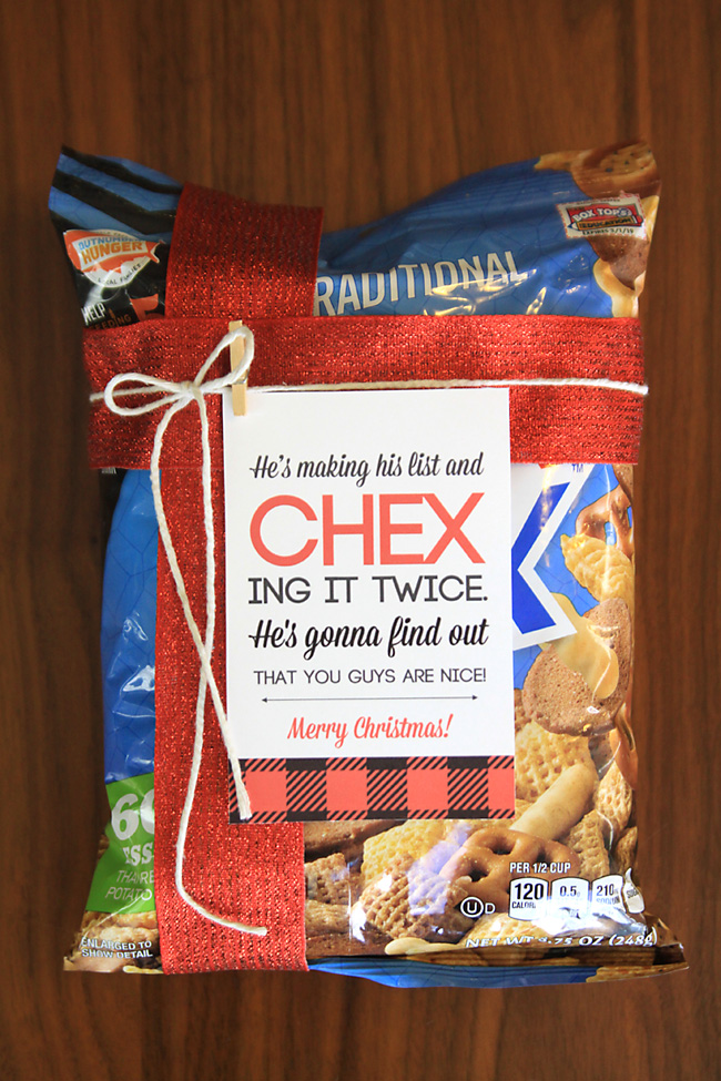 Neighbor Christmas Gift Ideas | Chex Mix Neighbor Gift | It's Always Autumn