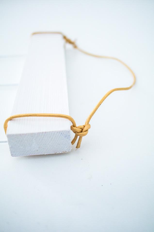 Feather Hanging Craft   DIY Home Decor Ideas