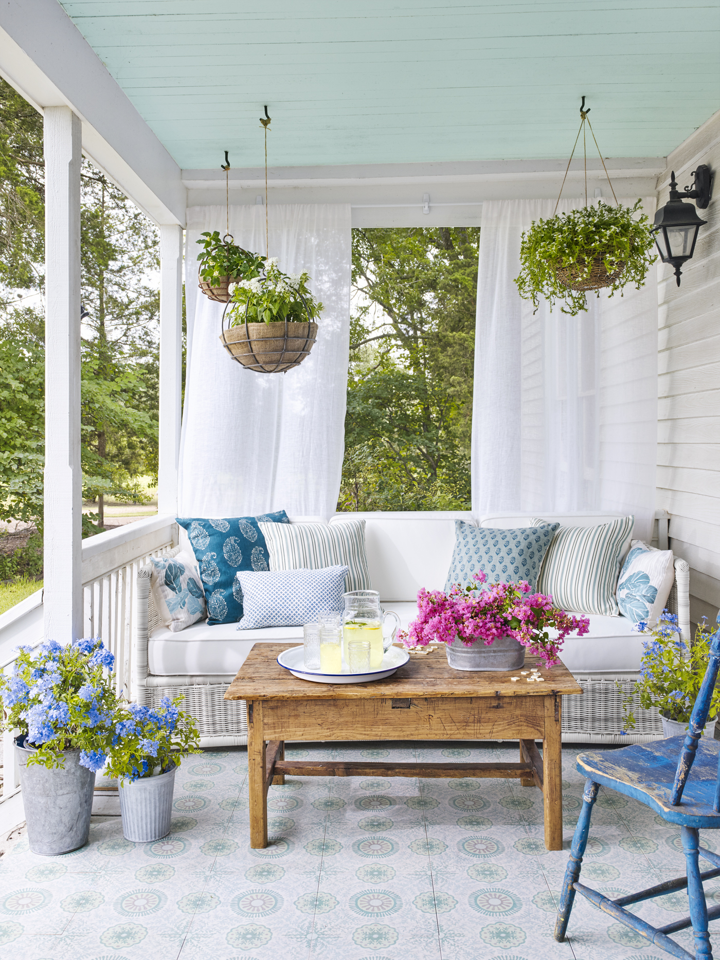 pretty front porch ideas - Front Porch Decor