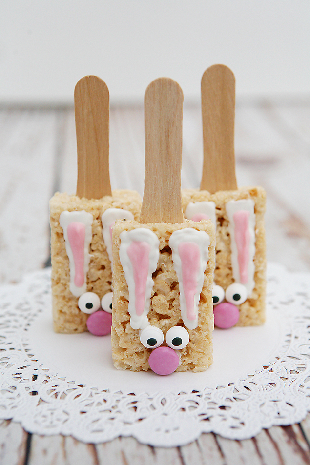 Bunny Rice Krispie Treats | Made with premade rice krispie treats, too cute!
