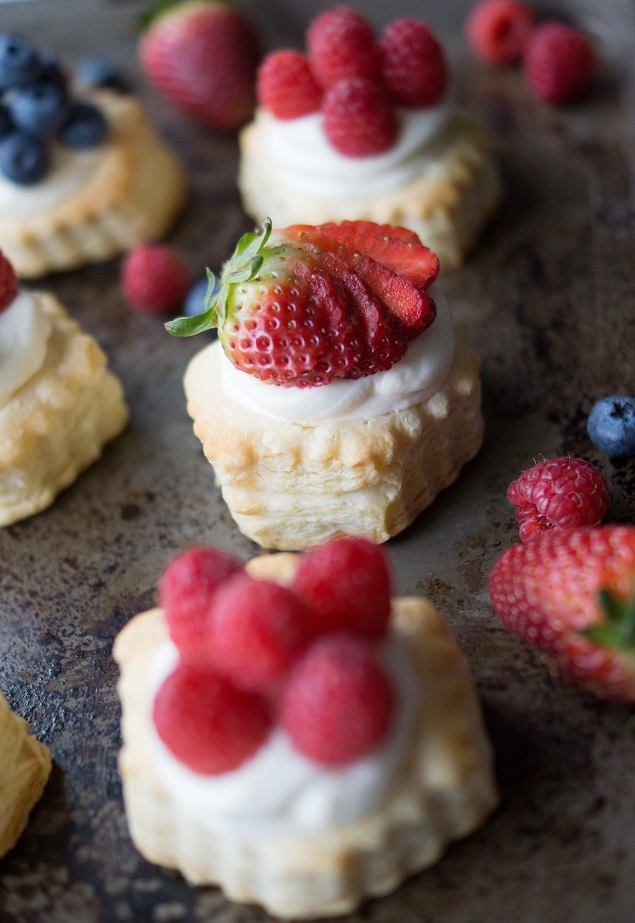Lemon Cheesecake Puff Pastries