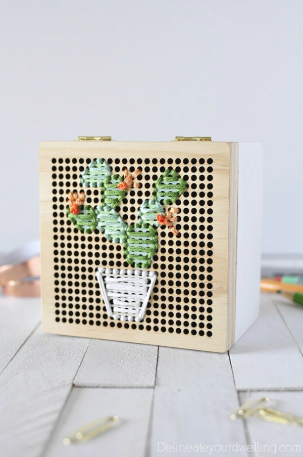Simple Cacti Embroidery Box via Delineate Your Dwelling