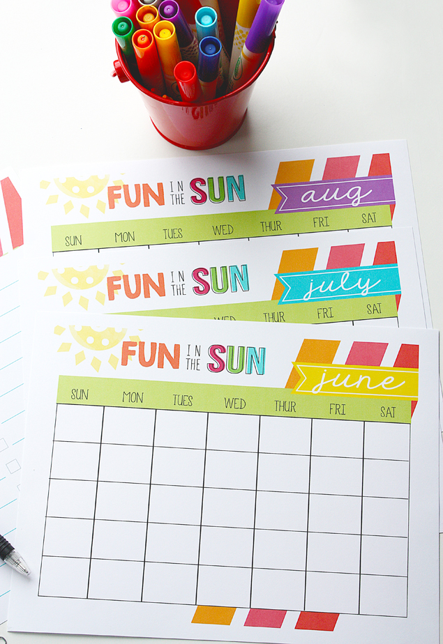 Printable Summer Calendar + Summer Bucket List