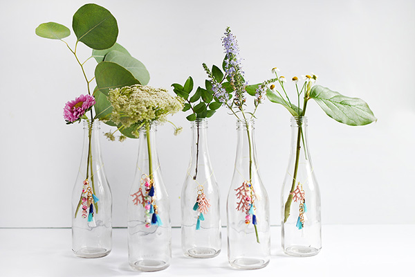 Flower Vase Charms via Delineate Your Dwelling