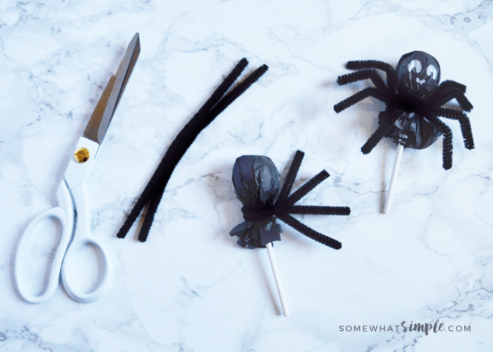 Halloween Spider Suckers   Fun Halloween Kids Crafts